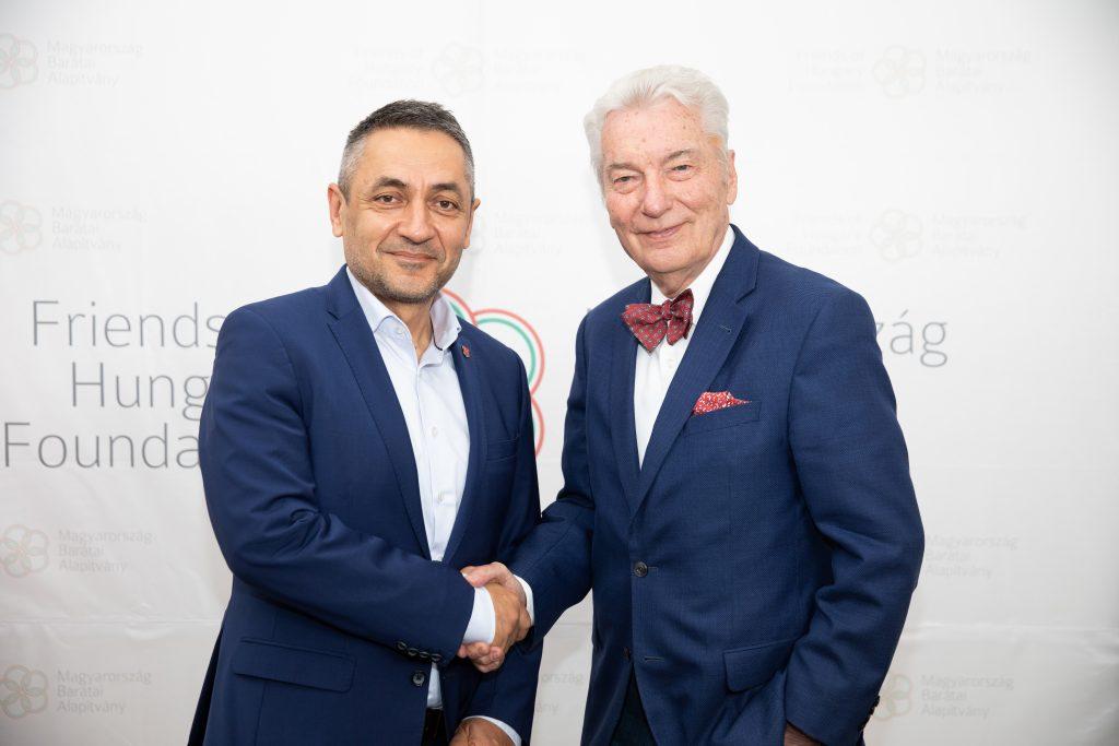 """""""Die Ungarn können stolz auf die Einheit ihrer Nation sein"""" – Staatssekretär Potápi bei der Konferenz der Freunde von Ungarn post's picture"""