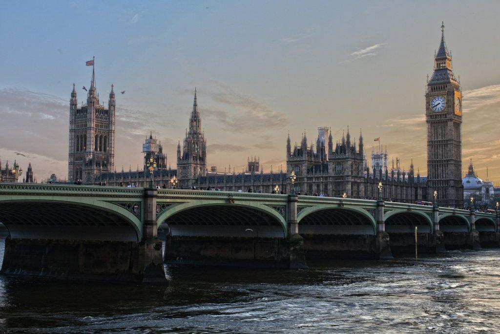 Über 140.000 Ungarn wollen in Großbritannien bleiben post's picture
