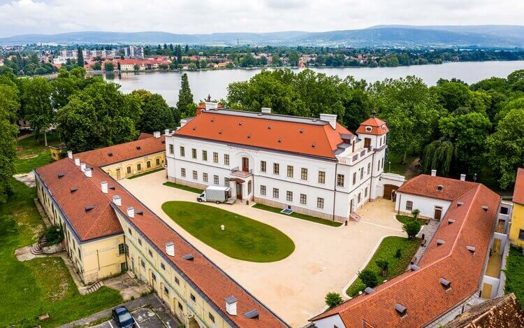 Schloss Esterházy in Tata öffnet nach Renovierung wieder seine Tore – Fotos! post's picture