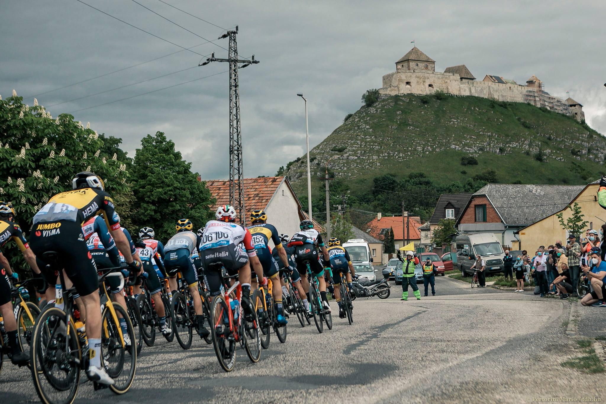 42. Tour de Hongrie gestartet - Atemberaubende Fotos!
