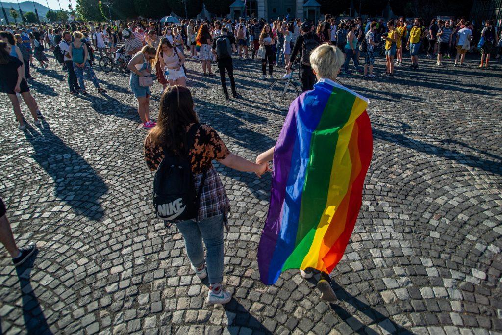 Budapost: EU-Ungarn-Streit um das LGBT-Gesetz im Spiegel der Wochenzeitungen post's picture