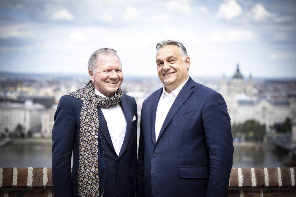 Orbán traf sich mit ungarischstämmigem Geschäftsmann Péterffy post's picture