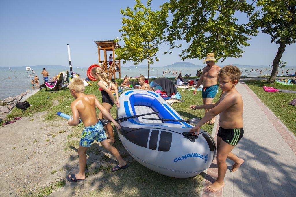 Sommer startet: Ohne Immunitätsausweis aber mit Quadratmeter-Regel an Stränden post's picture