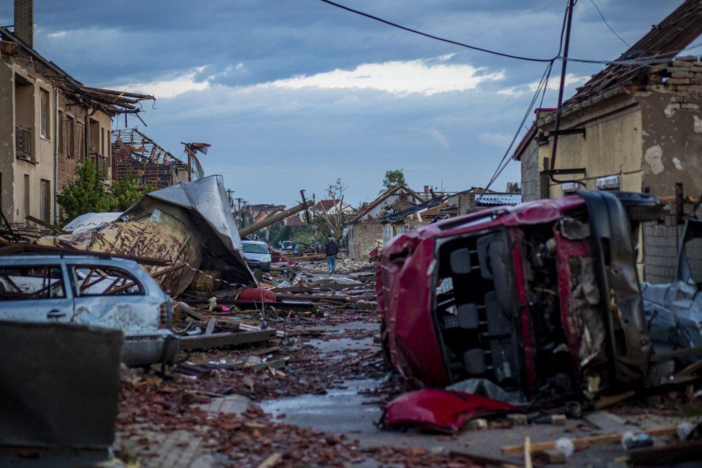 Ungarn schickt Hilfe an Tschechien post's picture