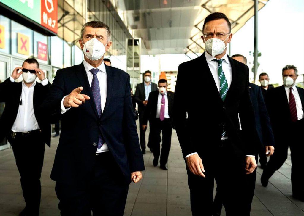 Außenminister: Ungarn liefert Impfstoff in die Tschechische Republik post's picture