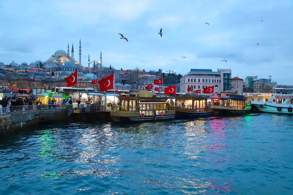 Beziehungen zwischen Ungarn und der Türkei entwickeln sich schnell post's picture