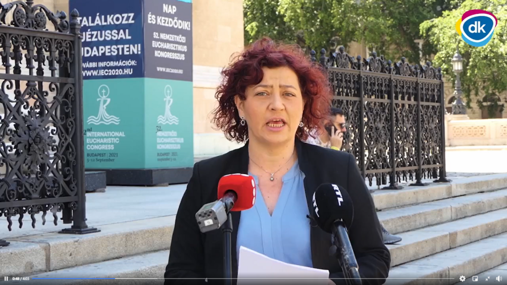 """""""Anti-Pädophilien-Gesetz"""": Demokratische Koalition würde die Kirchen durchsuchen post's picture"""
