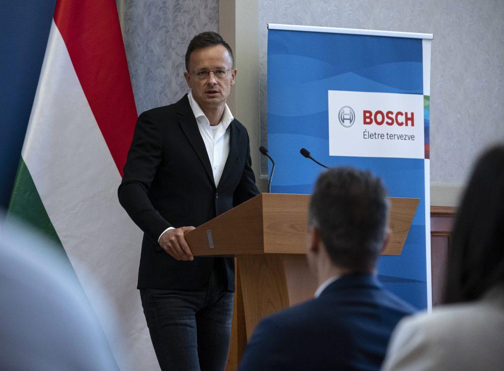 Außenminister Szijjártó: Bosch Automotive Steering erweitert Werk in Nordungarn post's picture