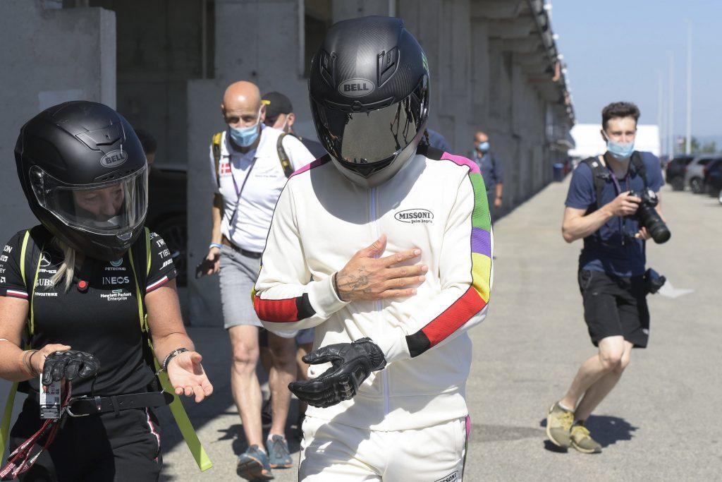 """Budapost: F1-Pilot Hamilton kritisiert Ungarns """"Kinderschutzgesetz"""" post's picture"""
