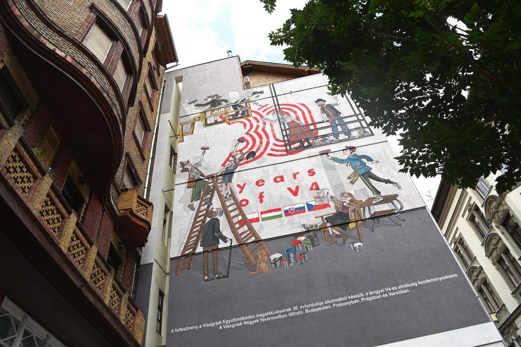 Wandgemälde zum 30-jährigen Bestehen der Visegrád-Gruppe in Budapest eingeweiht post's picture