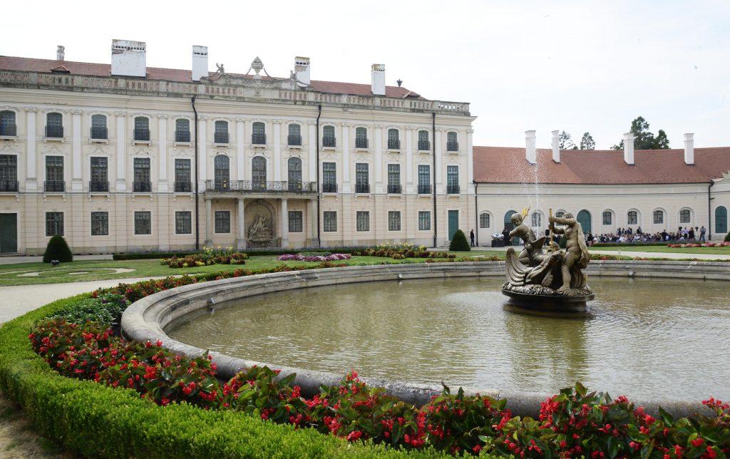 Renovierter Westflügel des Schlosses Esterházy in Fertőd übergeben post's picture