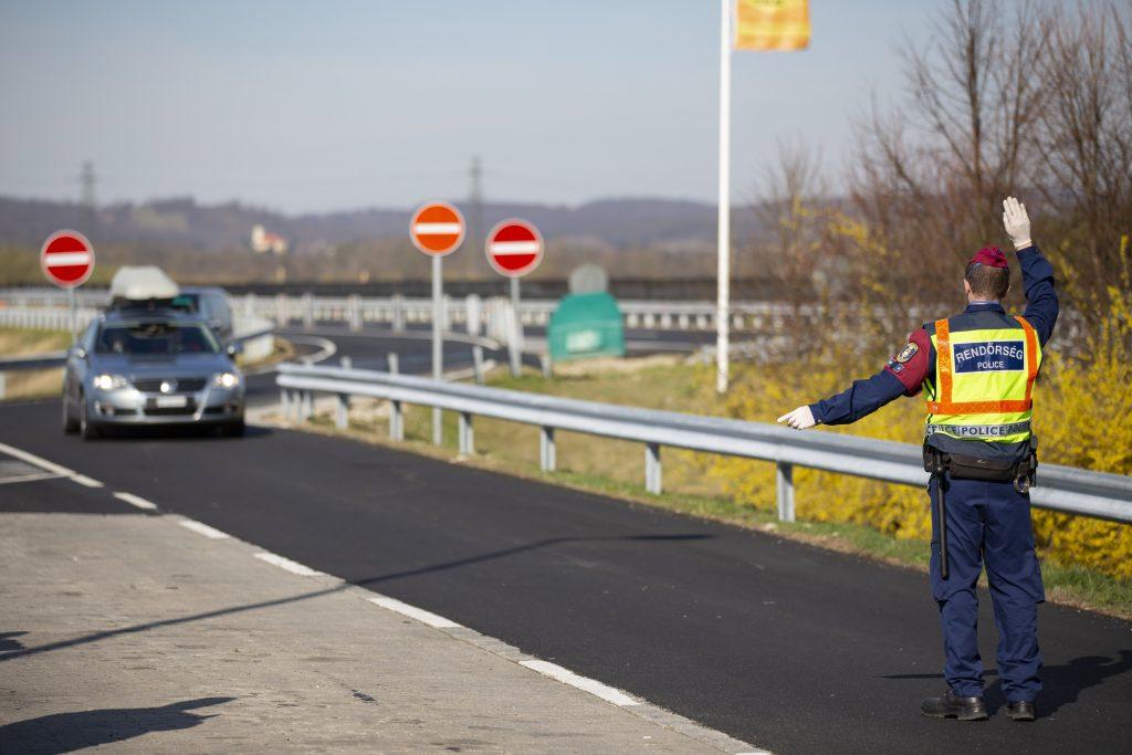 Österreich verstärkt Kontrolle an der ungarischen Grenze post's picture