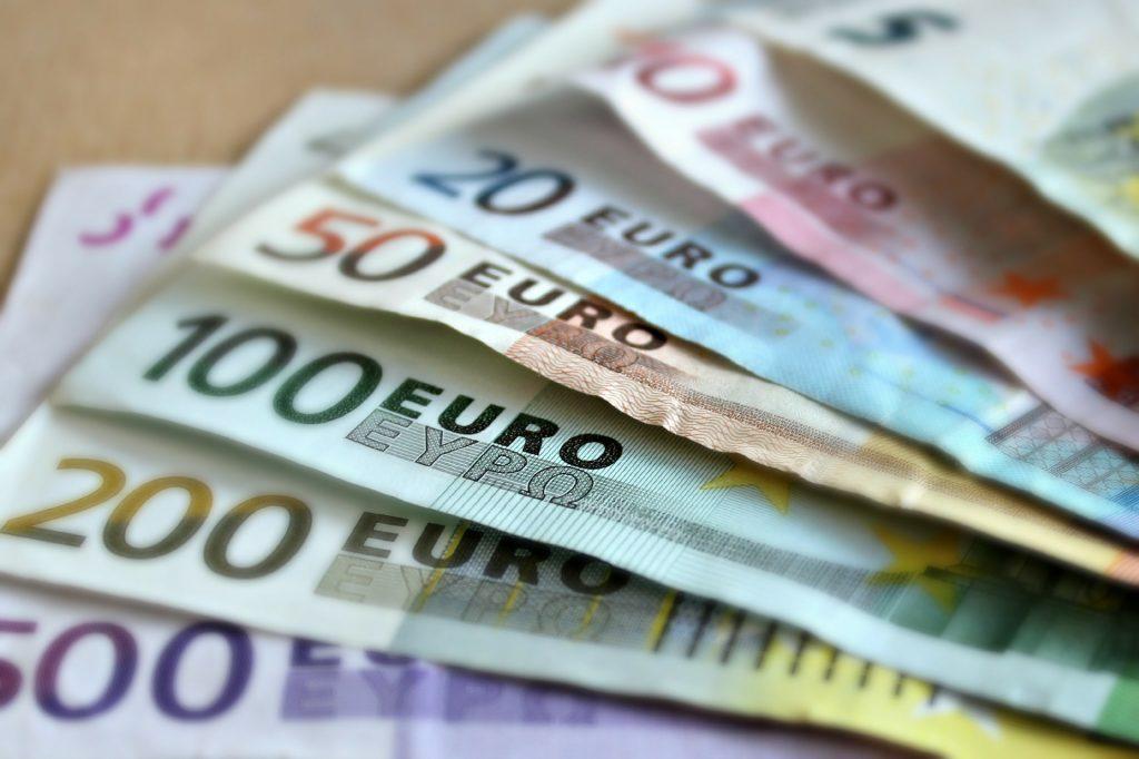 Notenbankchef schlägt die Einführung des dualen Euro-Wechselkurses vor post's picture