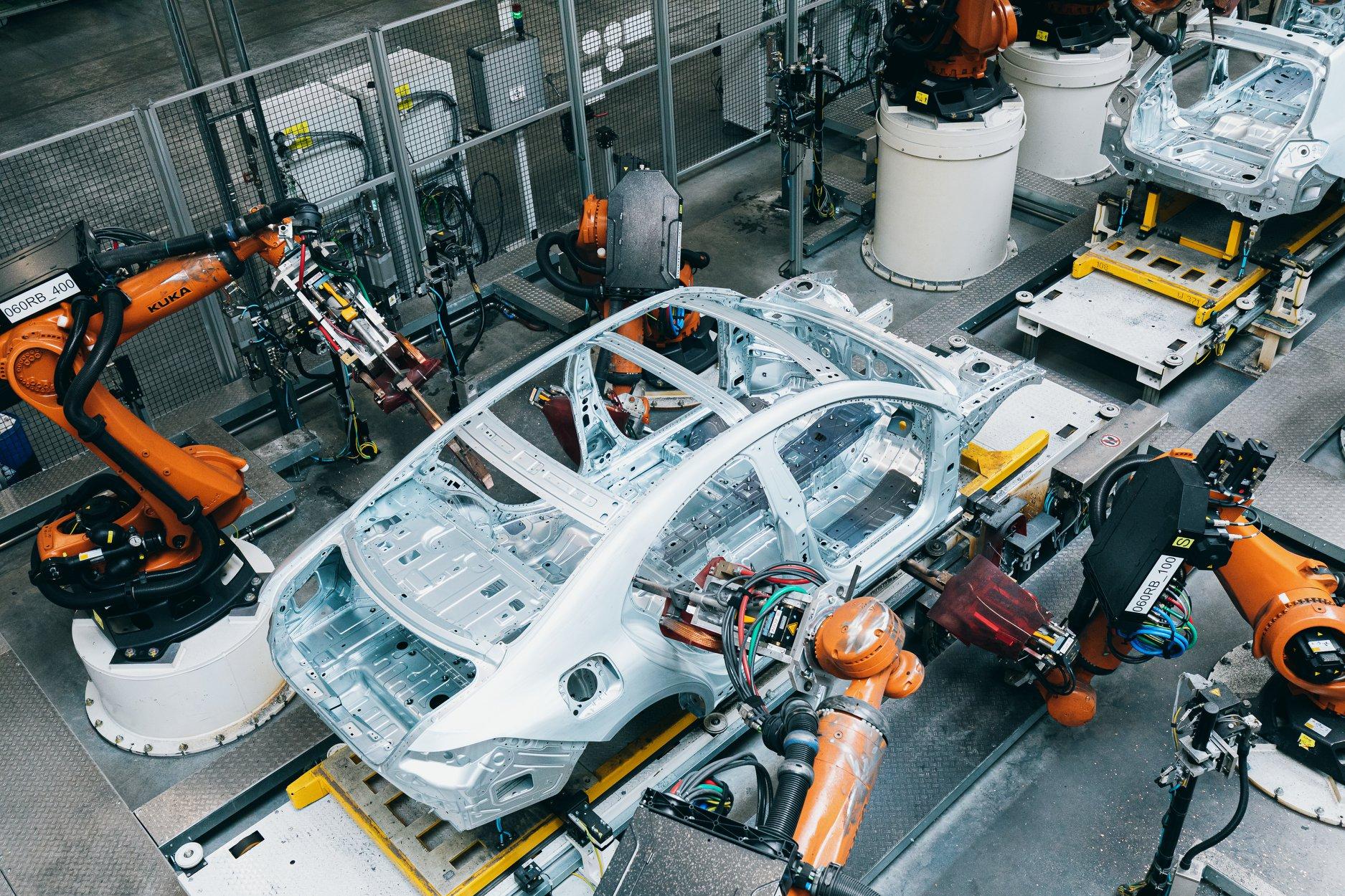 Mercedes-Benz stellt Produktion für drei Wochen in Kecskemét ein