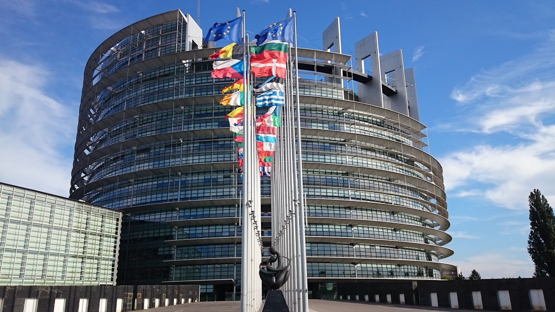 Europäisches Parlament verurteilt Ungarns Anti-Pädophilen-Gesetz