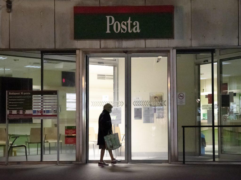 Jobbik protestiert gegen geplante Schließung von Postämtern post's picture