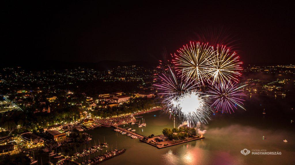 Nationalfeiertag: Feuerwerke am Plattensee post's picture