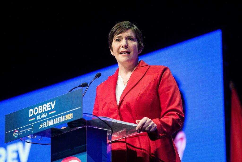 Vorwahlen: Dobrev am schnellsten, sie gab 61.000 Unterschriften ab post's picture