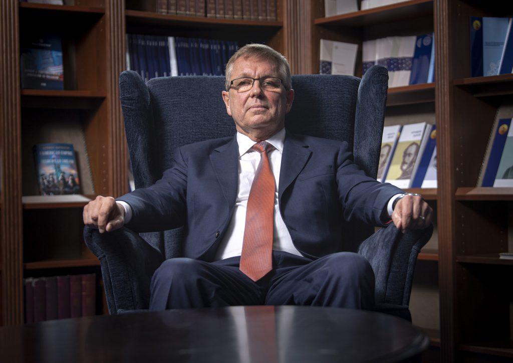Notenbankchef kritisiert die Regierung diesmal für die Verwendung von EU-Geldern post's picture