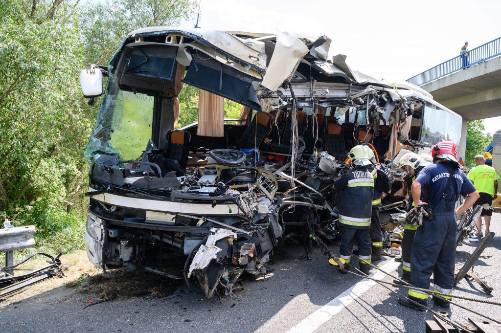 Unglück auf M7: Bus war im März vollständig überprüft worden post's picture
