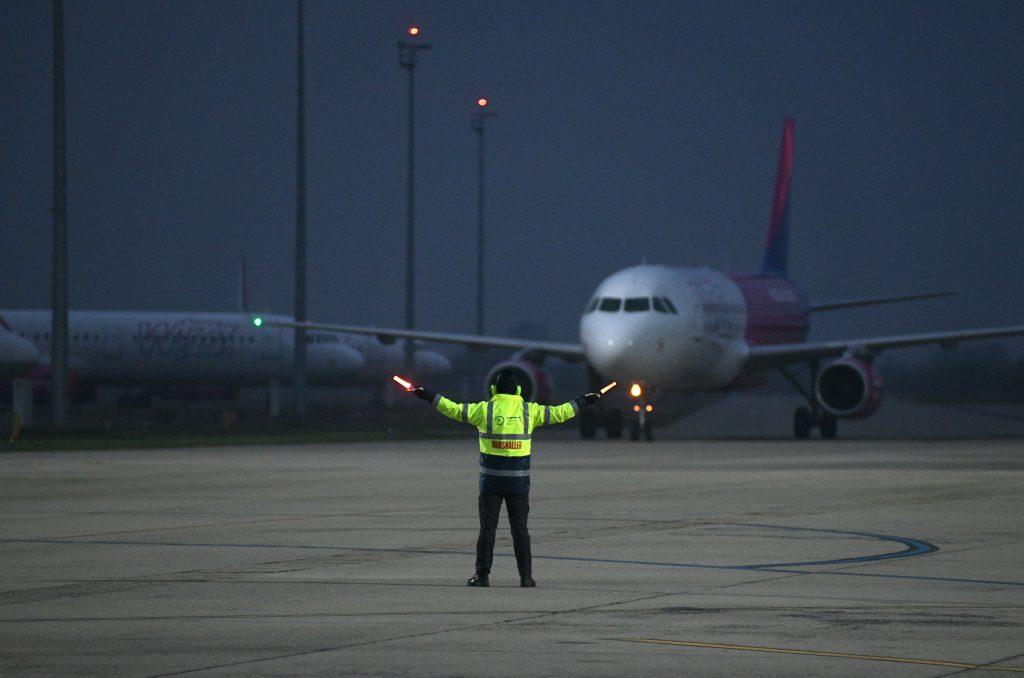 Afghanistan-Krise: Erstes Flugzeug kommt gegen Mitternacht in Budapest an post's picture