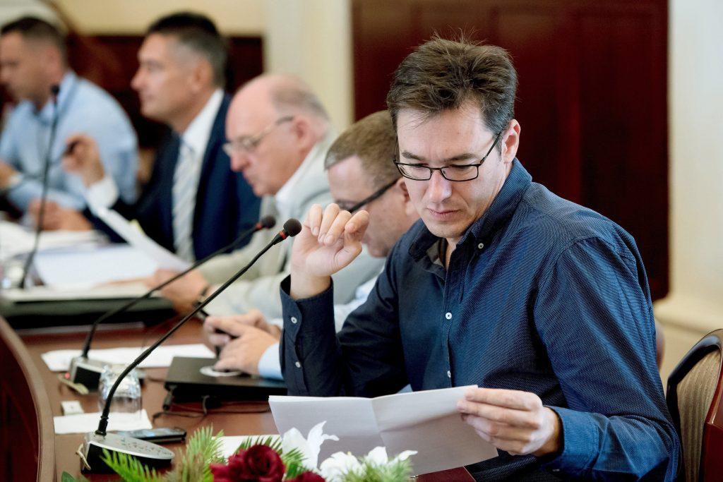 Nach Orbán teilt auch der Budapester Bürgermeister seine Sommerleseliste post's picture