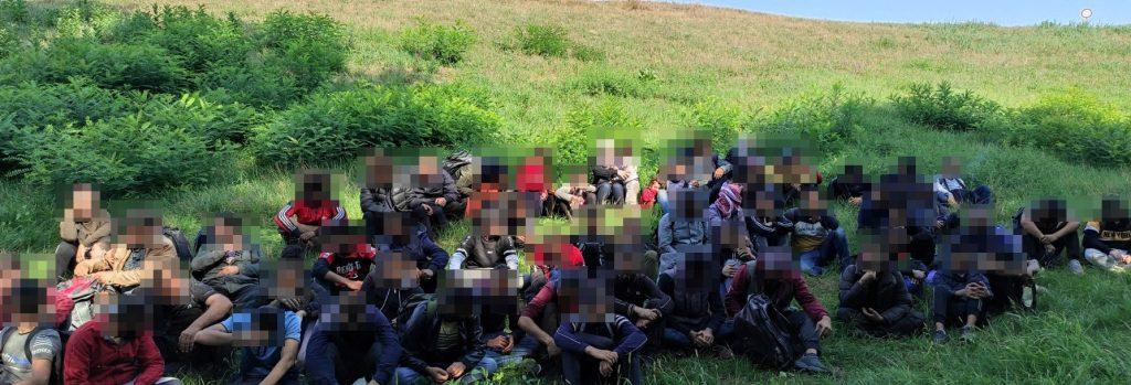 Migranten versuchten in Mórahalom gewaltsam ins Land zu gelangen post's picture