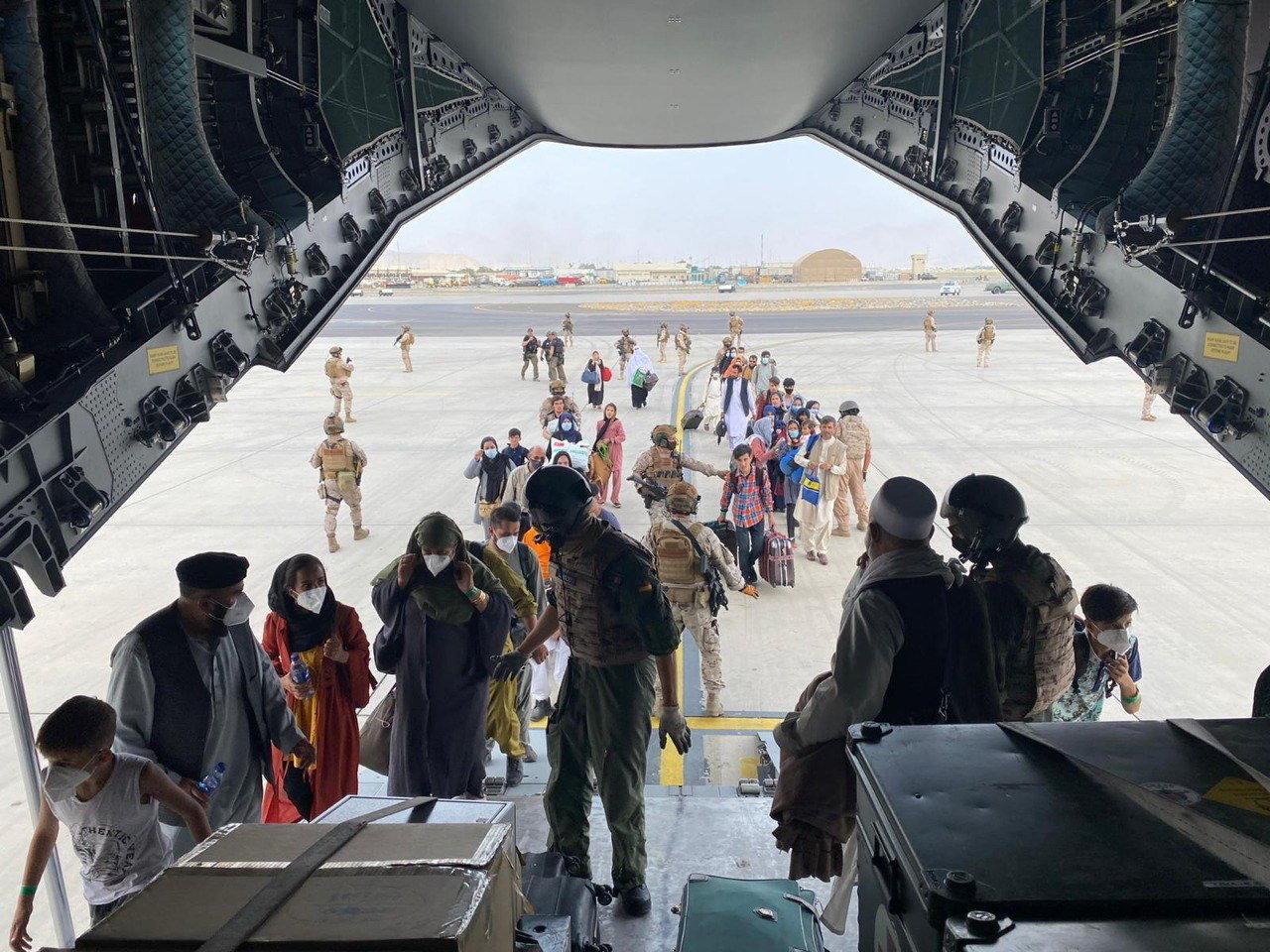 Außenministerium: Aus Afghanistan gerettete Ungarn sind bereits in Frankfurt