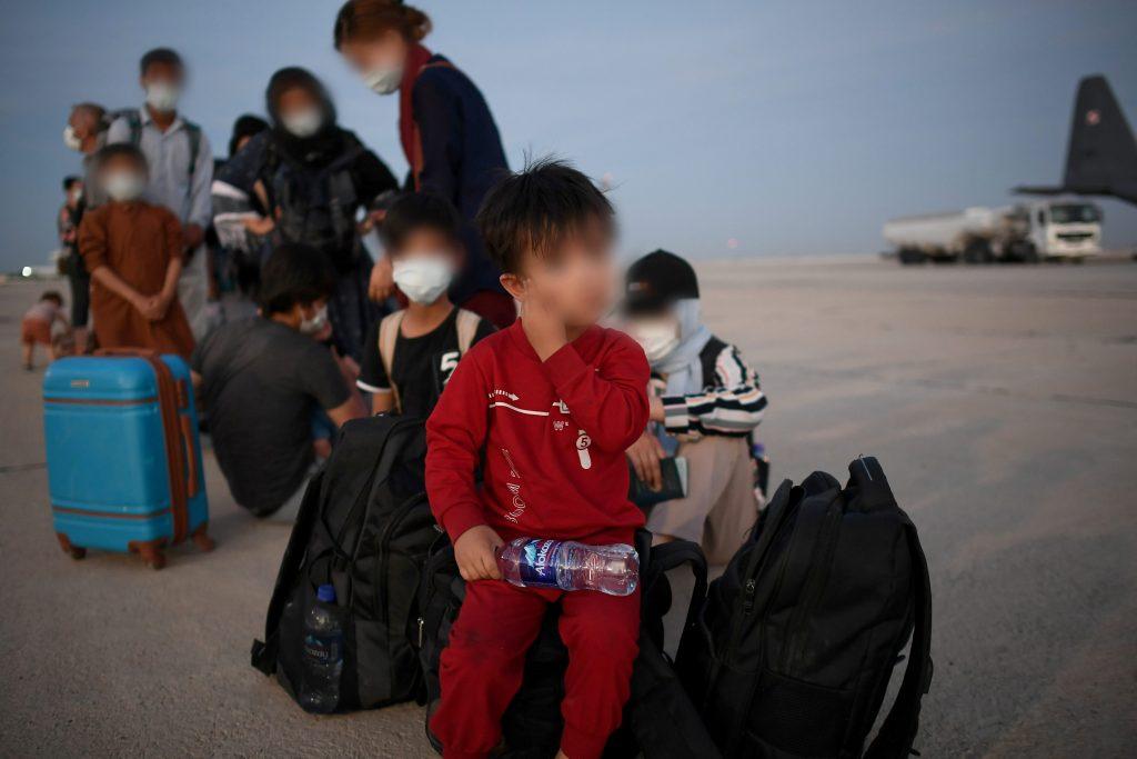 Afghanen, die vor der Rache der Taliban fliehen, sind in Ungarn angekommen post's picture