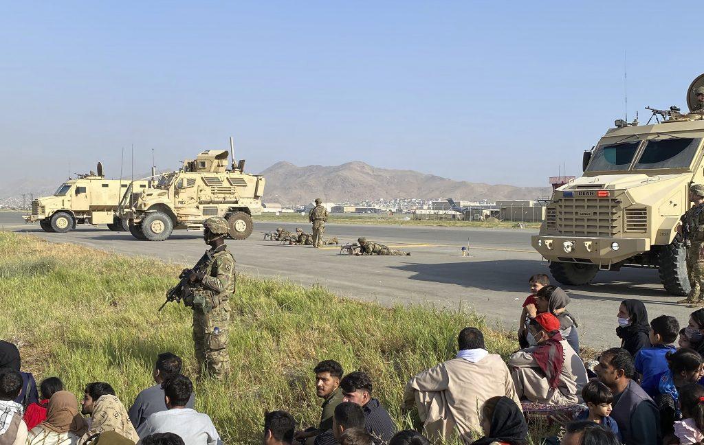 Afganistan-Krise: 26 Ungarn sollen auf dem Flughafen von Kabul auf die Heimreise warten post's picture