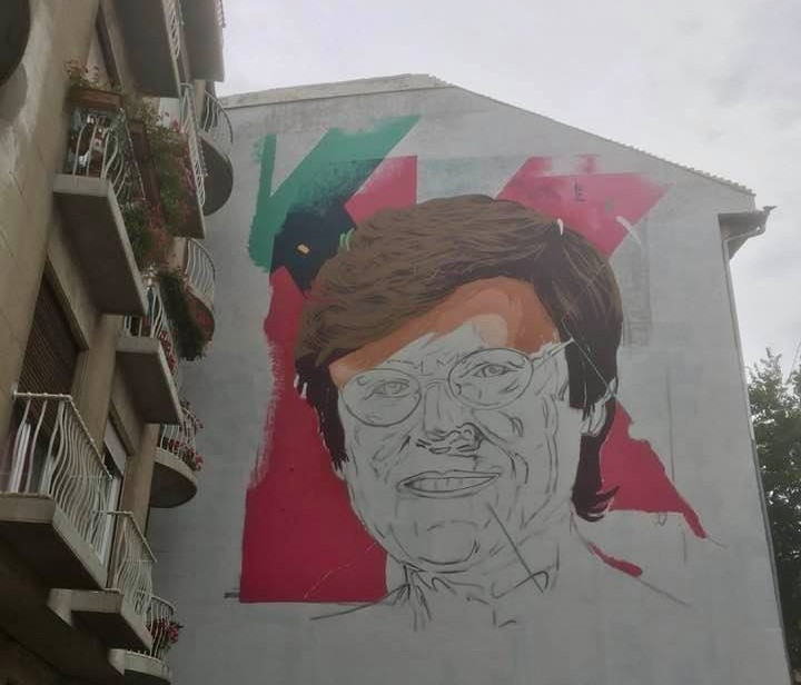 Fünfstöckiges Wandgemälde mit dem Abbild der Biochemikerin Katalin Karikó in Budapest post's picture
