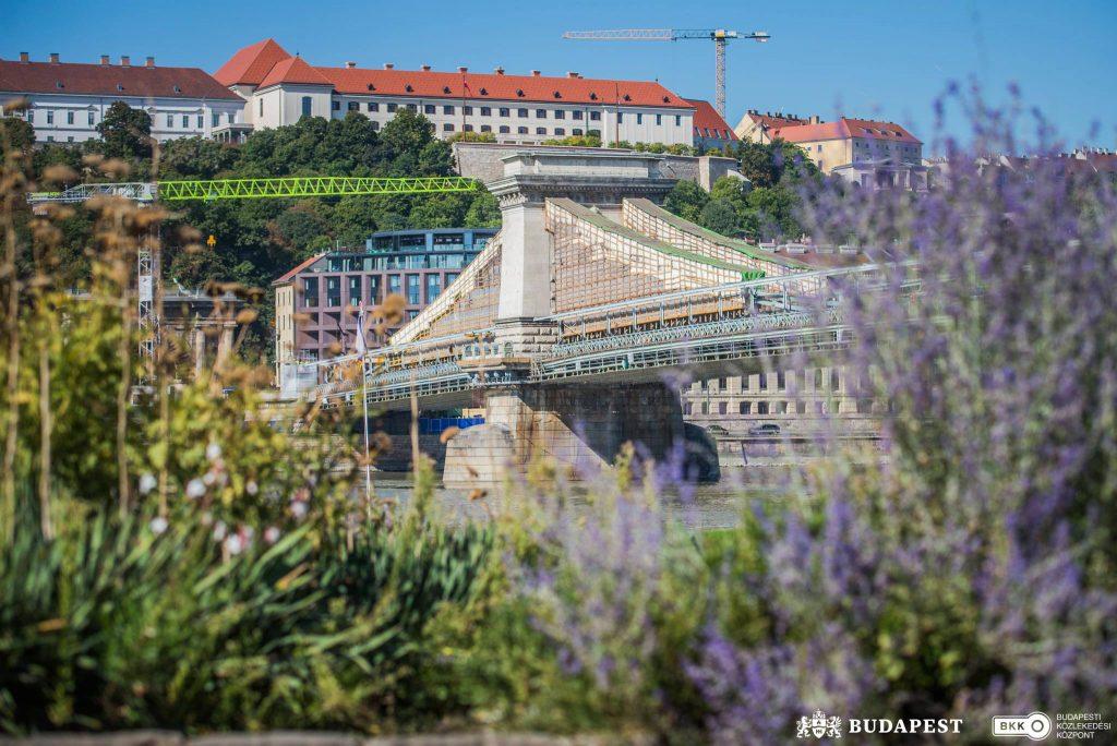 Sanierung der Budapester Kettenbrücke: Neue Farbe schon sichtbar – FOTOS! post's picture