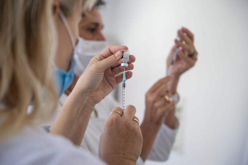 Budapester Bezirk Józsefváros zahlt vollständig geimpften Einwohnern einen Bonus post's picture