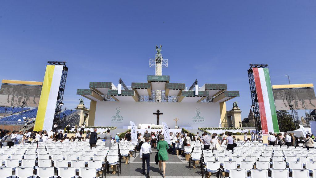 Hunderte junge Auslandsungarn zur Papstmesse eingeladen post's picture