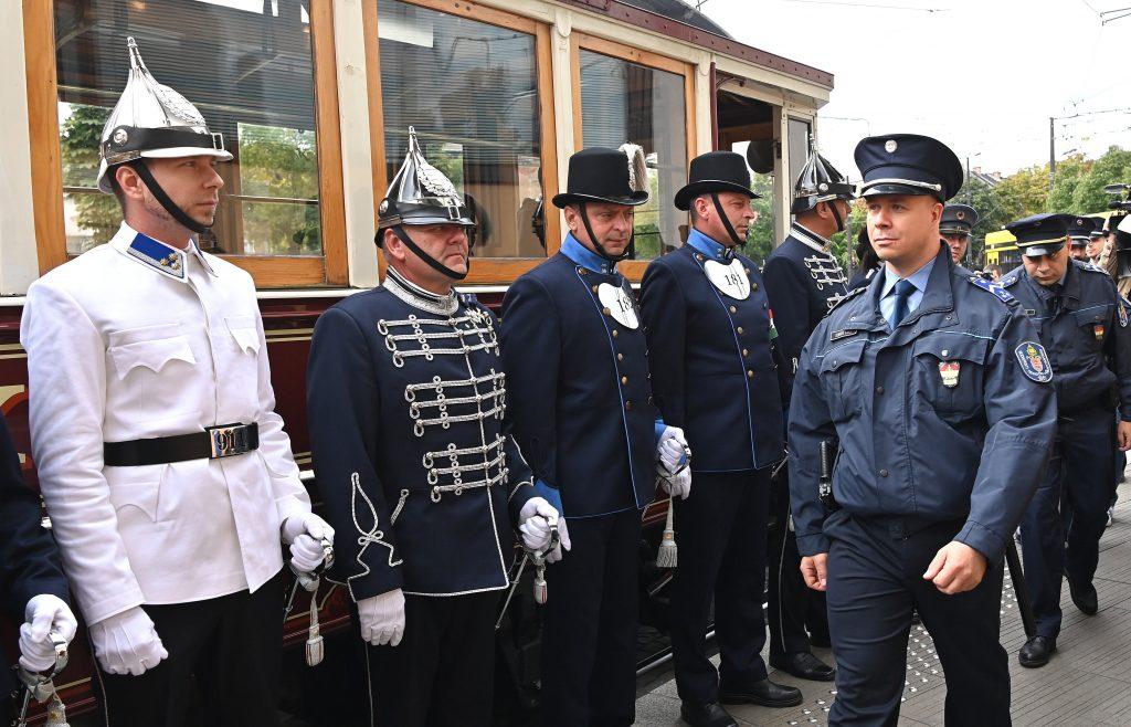 140 Jahre Budapester Polizei: Uniformen aus der Zeit von Franz Joseph ausgestellt post's picture