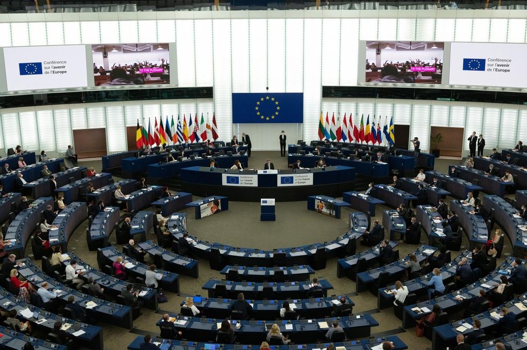 Fidesz-Abgeordnete: Brüssel übt weiterhin Druck auf Ungarn in LGBTQ- und Migrationsfragen aus post's picture
