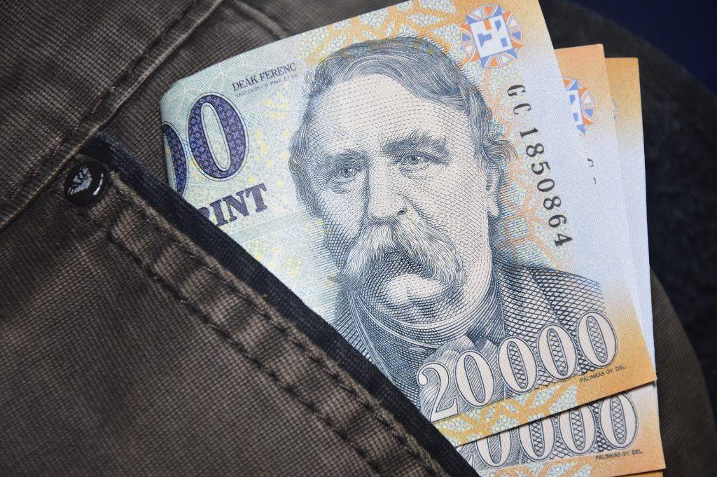 Budapost: Moratorium zur Rückzahlung von Krediten erneut verlängert post's picture