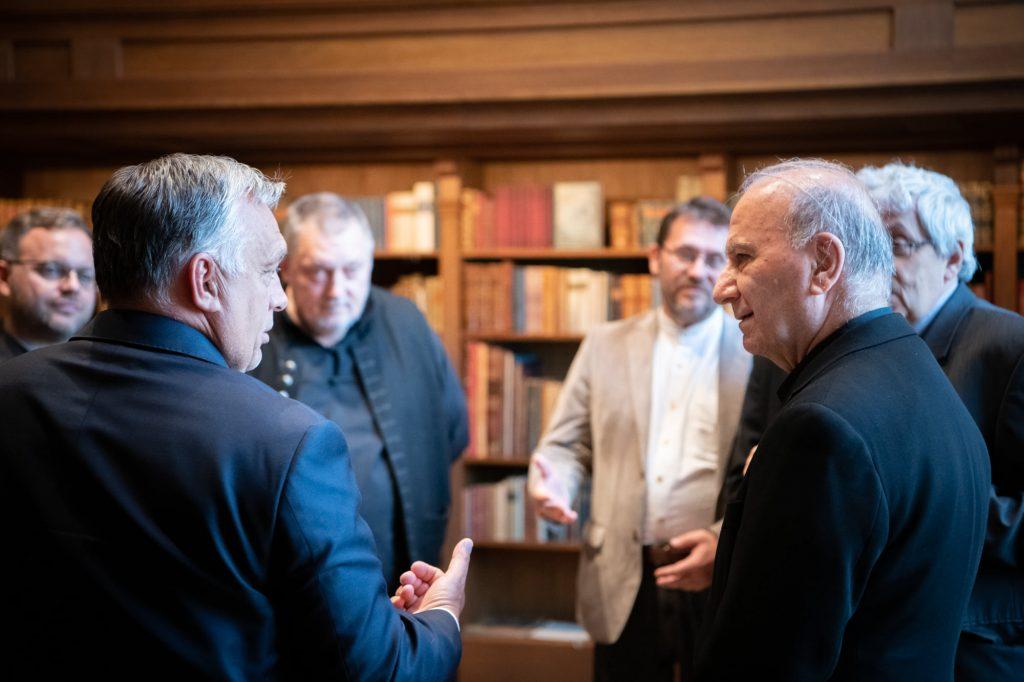 Theaterolympiade in Ungarn: Orbán trifft die Organisatoren post's picture