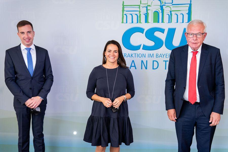 """Familienministerin: """"CSU weiß, dass Fidesz die Mitte-Rechts-Kraft in Ungarn ist"""" post's picture"""