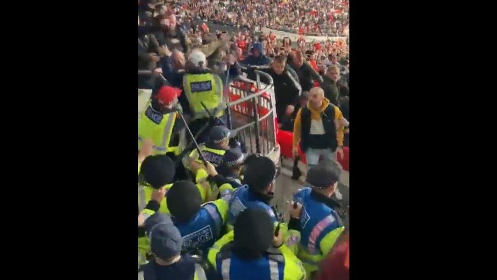 FIFA ermittelt nach Ausschreitungen ungarischer Fans in Wembley post's picture