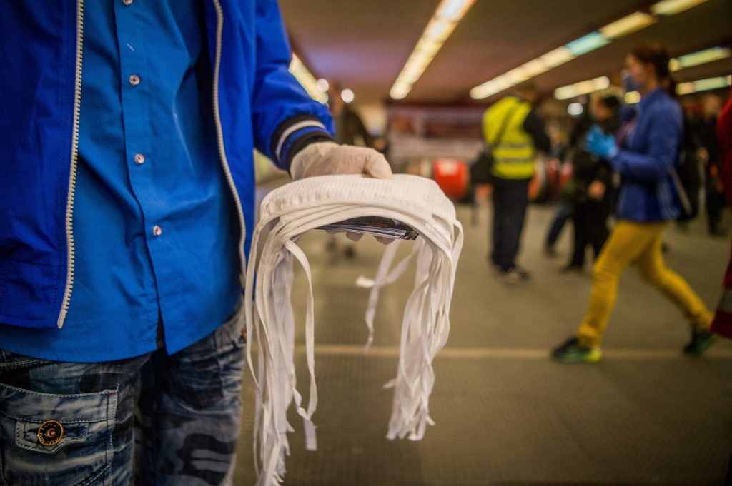 Ungarische Wissenschaftler fordern alle Ungarn auf, Masken zu tragen post's picture