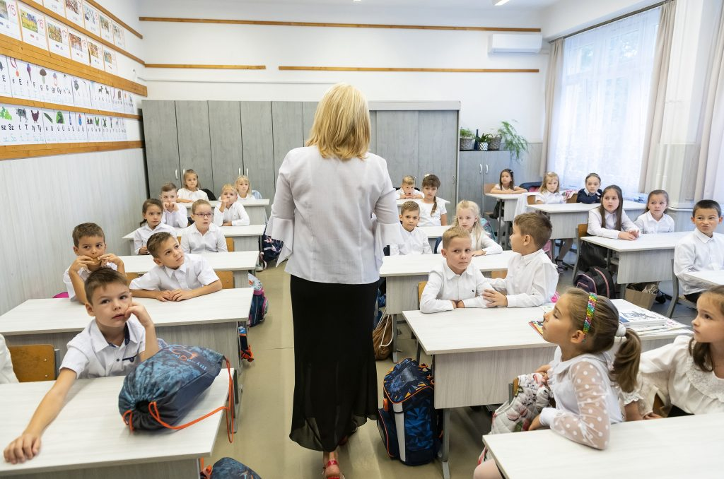 """Lehrergewerkschaften: """"Das Bildungssystem wird zusammenbrechen"""" post's picture"""