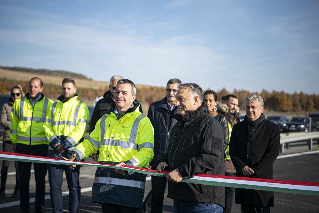 Neue Autobahn M30 Miskolc-Kaschau dem Verkehr übergeben