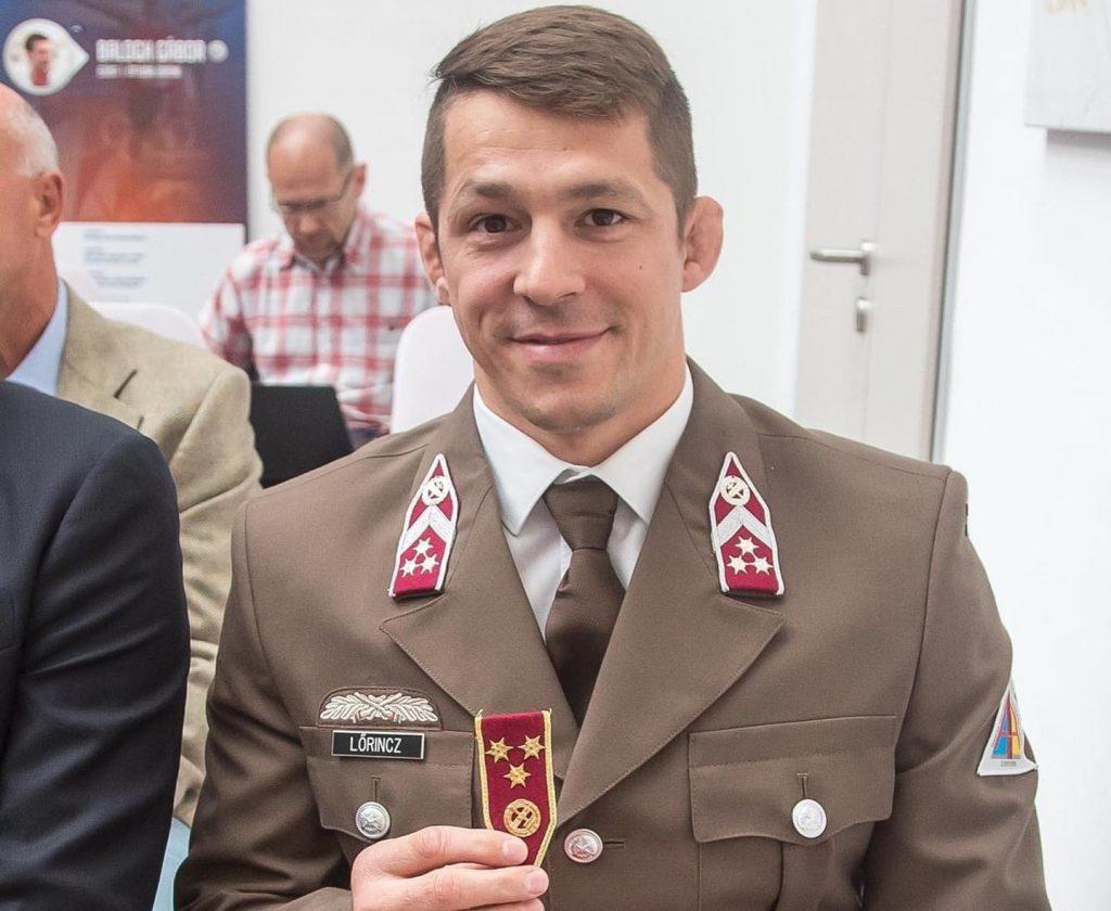 Olympiasieger Ringer zum Hauptmann befördert post's picture